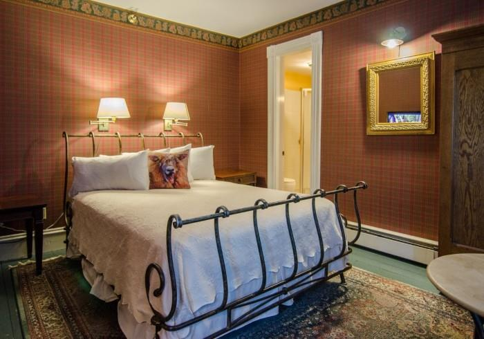 Image for Tracy Room for 1 (Queen Bed, 2nd Floor, Main Inn)