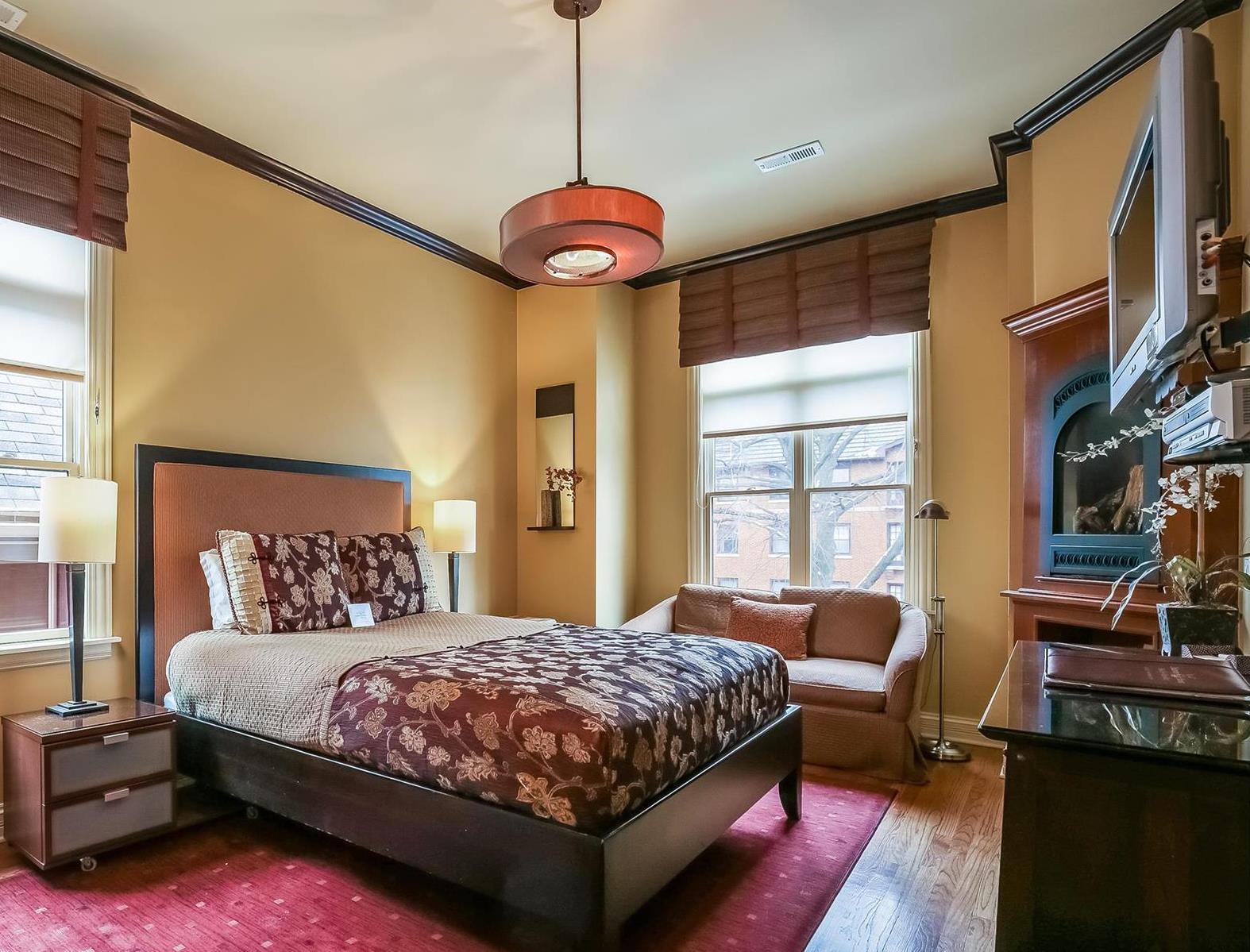 Image for Golden Chest - 2nd Floor Queen Bed