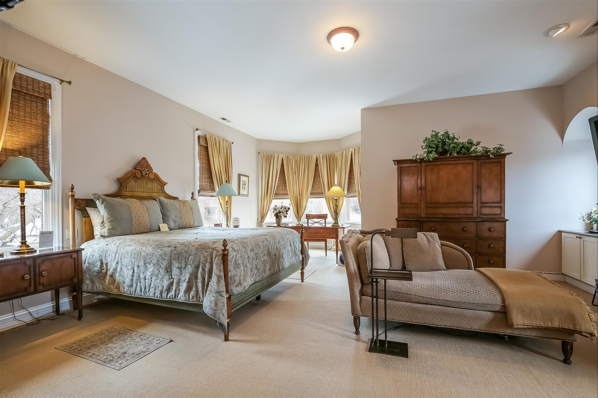 Image for Jimmy Stewart - 2nd Floor King Bed