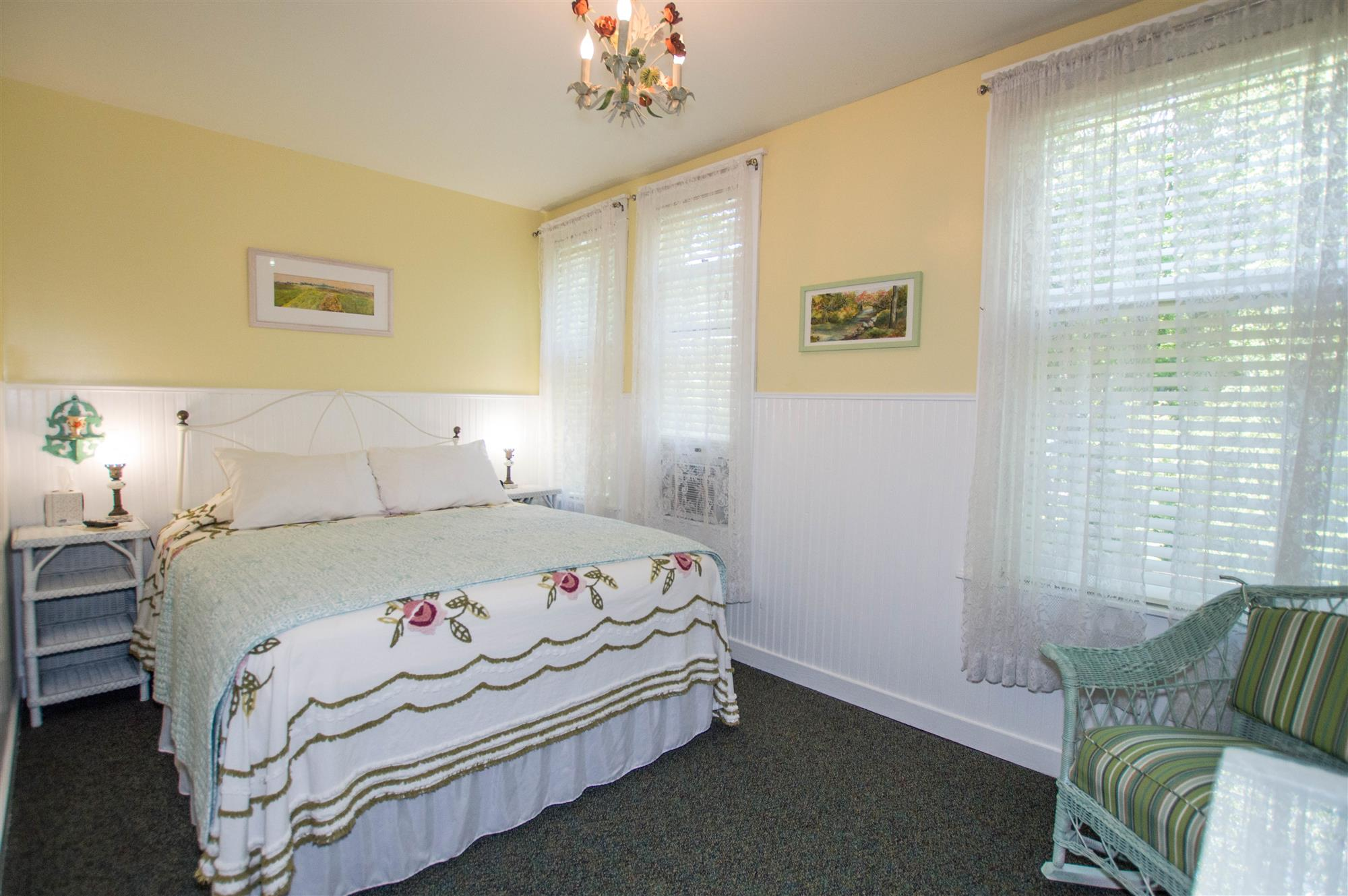 Image for 206Q) Queen Cottage Room