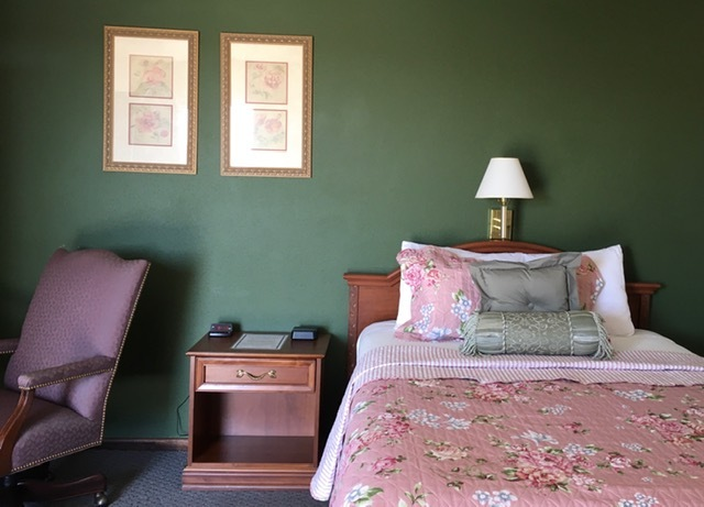 Image for 124 1 Queen Bed