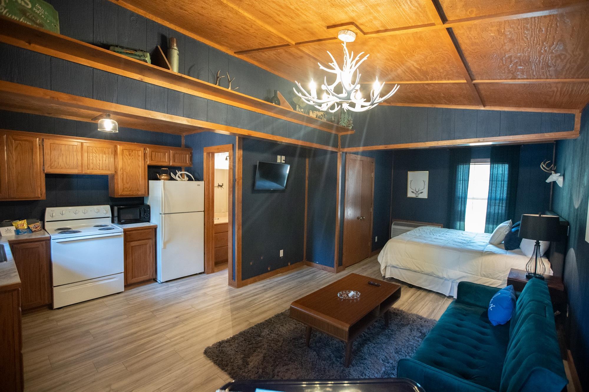 Image for 03) Kush Cabin Lodge