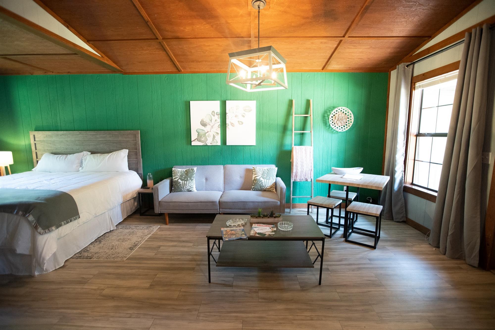 Image for 07) Kush Cabin Green Dream