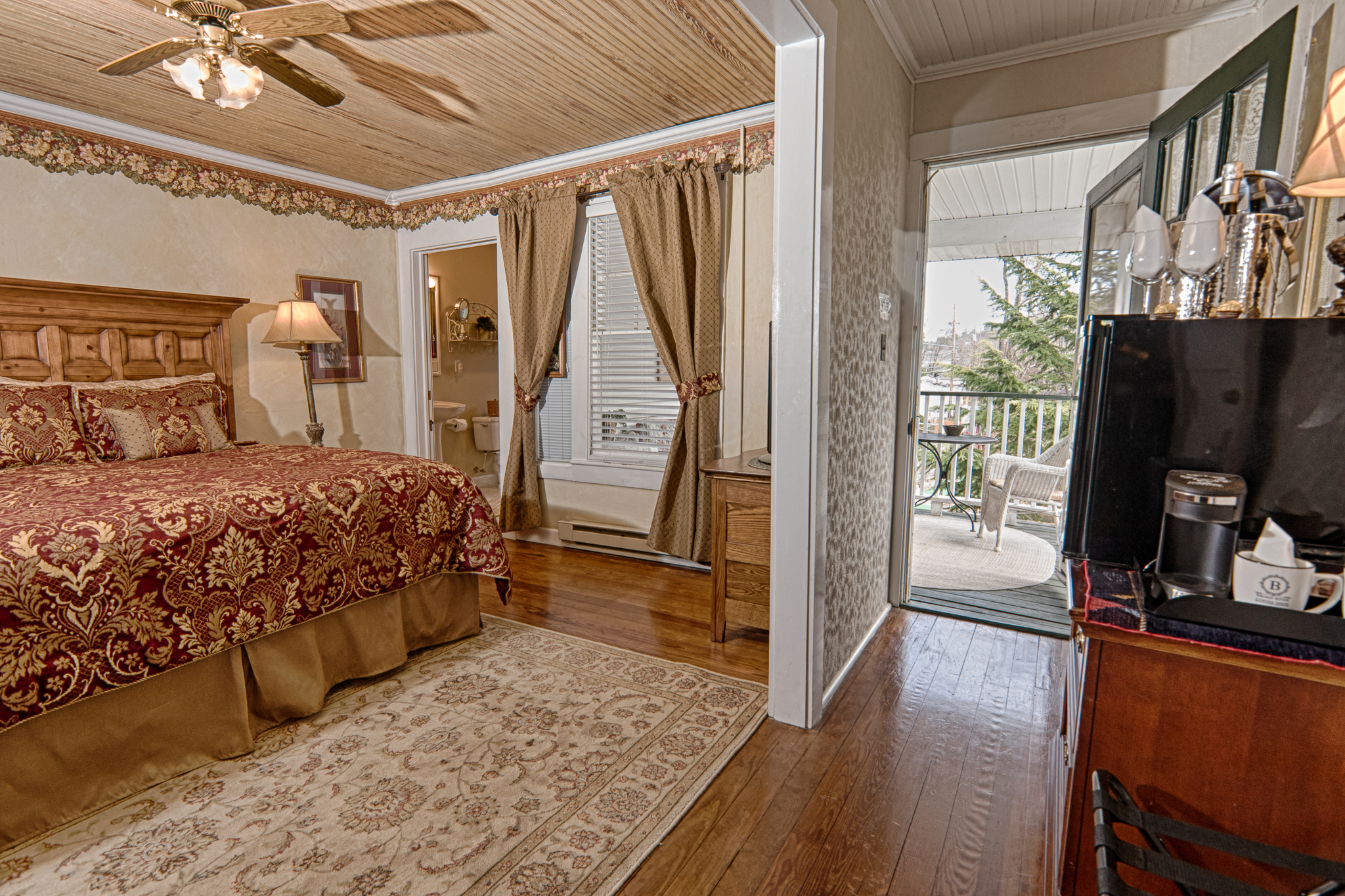 Image for 01 King Jacuzzi Room #1 w/private porch