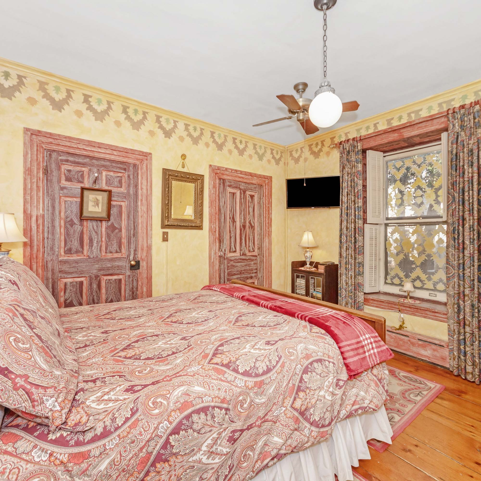 Image for U-1) French Victorian 2 Room Whirlpool-Fireplace  Suite