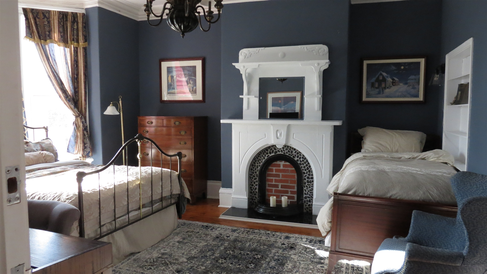 Image for 02) Lushes Bight- Queen /single bed ensuite. Second fl